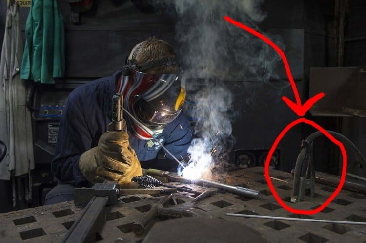 what grounding a welder with a clamp looks like