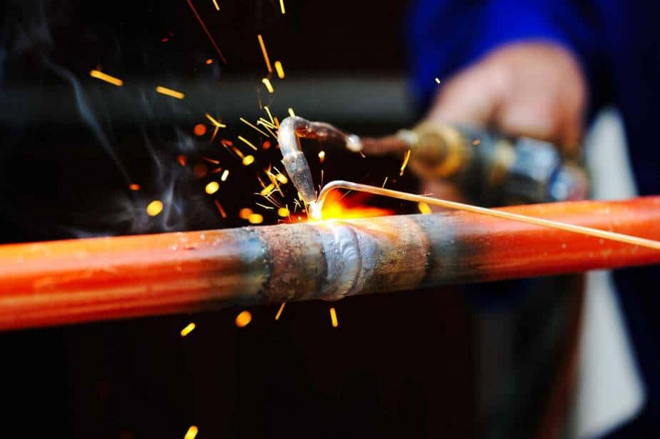 How to weld with a blowtorch in 6 steps